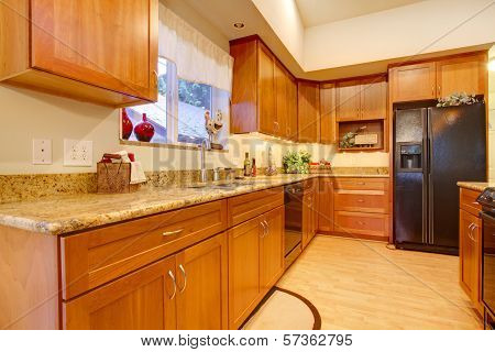 Furnished Bright Kitchen Room