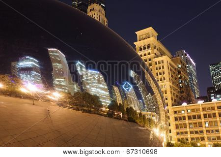 CHICAGO, IL - OCT 4: Cloud Gate and Chicago skyline on October 4, 2011 in Chicago, Illinois. Cloud Gate is the artwork of Anish Kapoor as the famous landmark of Chicago in Millennium Park