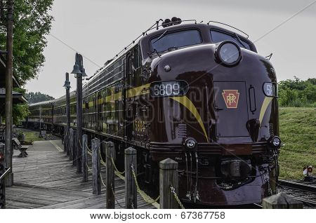 Pennsylvania Streamliner #5809