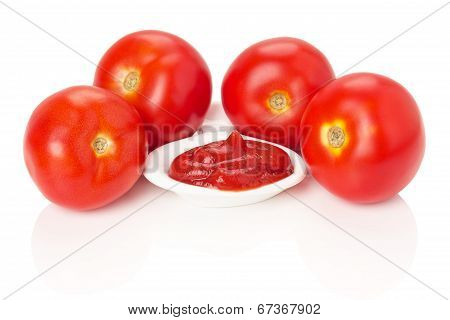 Bowl With Tomato Sauce And Juicy Red Tomatoes Isolated On The White Background