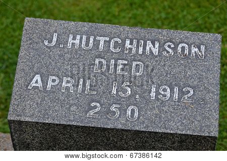 Titanic tragedy grave