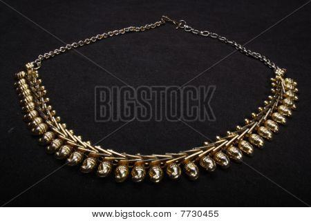 metal neck less