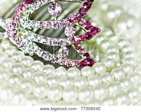 Jewellery with pearls