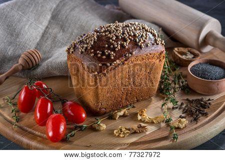 Borodino bread on wooden board