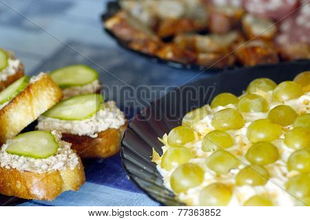 Toast With Cod's Liver And Salad With Green Grapes