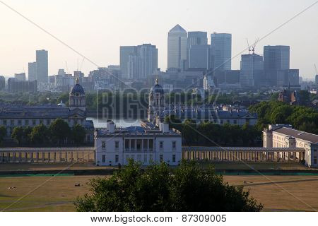 Greenwich Park, Canary Wharf, Wren's Architecture and the London Skyline from Greenwich Observatory