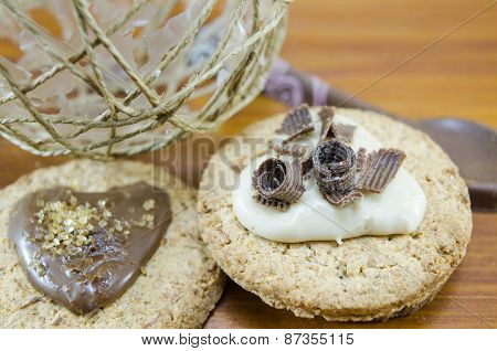 Oatmeal Cookies With Cream And Chocolate