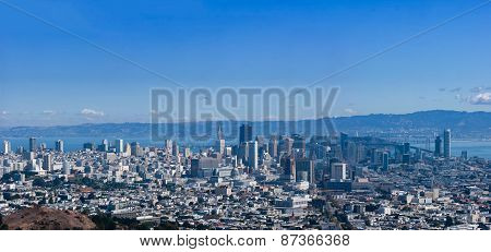 Panoramic View Of San Francisco Downtown Seen From Twin Peaks
