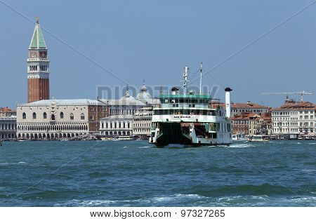 Venice, Ve - Italy. 14Th July, 2015: Ferry To Transport Cars And Vehicle From Venice Island To Venic