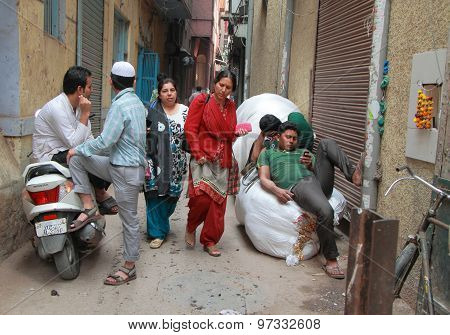 people do different things in the street, Delhi, India