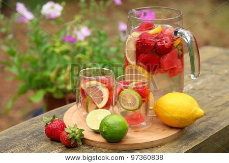sweet ice tea with fruits