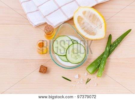 Natural Spa Ingredients Cucumber Homemade Natural Facial Toner.