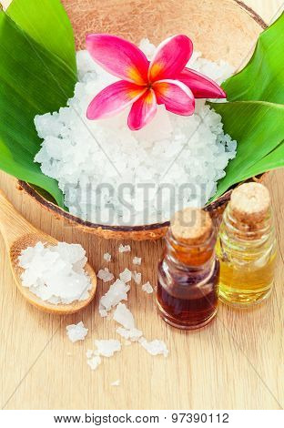 Sea Salt - Natural Spas Ingredients For Skin Care.