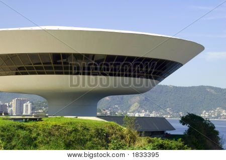 Niemeyer Museum Of Contemporary Arts