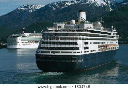 Kreuzfahrt-Schiffe In Alaska
