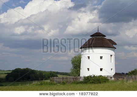 antiguo molino de viento oasis sin windwheel