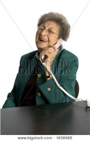 Lachend Senior Woman am Telefon