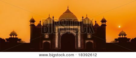worldwonder taj mahal mosque in agra, india