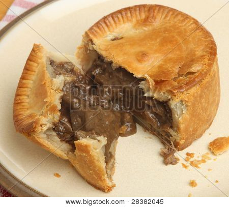 Individual steak and kidney pie