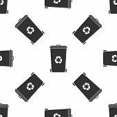 Recycle Bin With Recycle Symbol Icon Isolated Seamless Pattern On White Background. Trash Can Icon.  poster