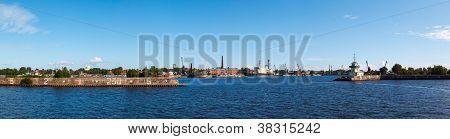 Srednyaya harbor town of Kronstadt