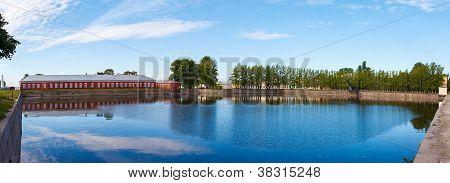 Italian pond Kronshtadt