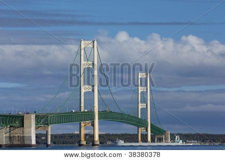 Big Mackinac Bridge & Boat