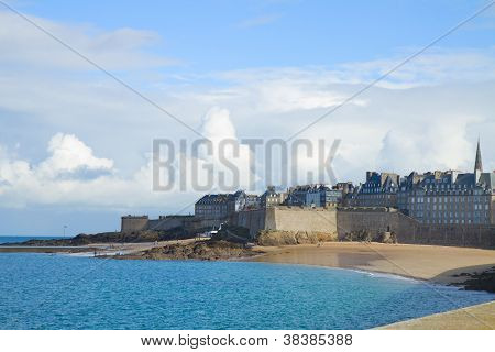Beach in St Malo old toen, Brittany, France