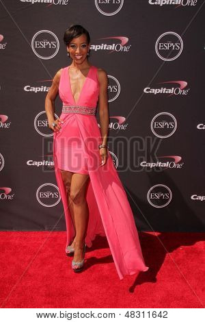 LOS ANGELES - JUL 17:  Shaun Robinson arrives at the 2013 ESPY Awards at the Nokia Theater on July 17, 2013 in Los Angeles, CA