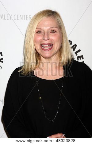 LOS ANGELES - JUL 16:  Roslyn Kind arrives at