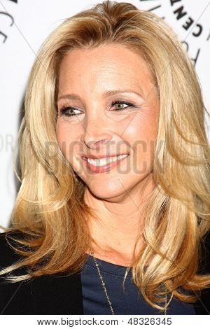 LOS ANGELES - JUL 16:  Lisa Kudrow arrives at