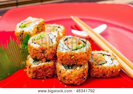 Imagen y foto comida japonesa tradicional sushi bigstock for Mesa japonesa tradicional