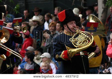 Trompista en desfile