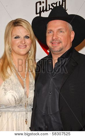 Trisha Yearwood and Garth Brooks at the 2007 MusiCares Person of the Year Honoring Don Henley. Los Angeles Convention Center, Los Angeles, CA. 02-09-07