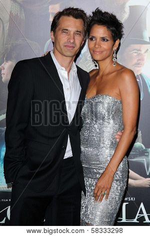Olivier Martinez, Halle Berry at the