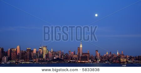 New York City Late Evening Capture Cityscape