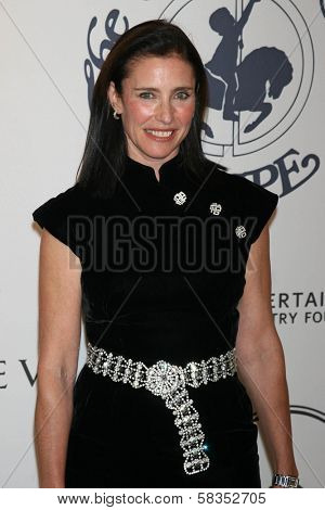 Mimi Rogers at the 17th Carousel of Hope Ball to benefit The Barbara Davis Center for Childhood Diabetes. Beverly Hilton Hotel, Beverly Hills, CA. 10-28-06