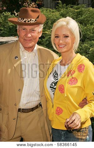 Buzz Aldrin and Holly Madison at 2006 Safari Brunch Fundraiser For The Wildlife Waystation. Playboy Mansion, Los Angeles, CA. 10-14-06