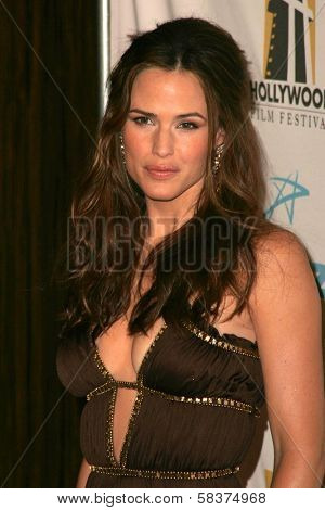 Jennifer Garner at the Hollywood Film Festival's 10th Annual Hollywood Awards Gala. Beverly Hilton Hotel, Beverly Hills, CA. 10-23-06