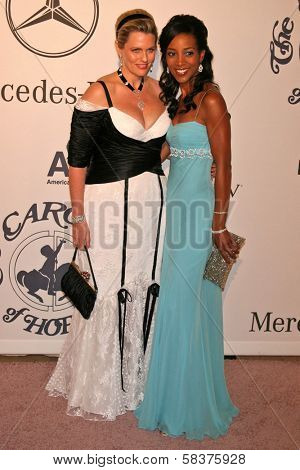 Nancy Davis and Shaun Robinson at the 17th Carousel of Hope Ball to benefit The Barbara Davis Center for Childhood Diabetes. Beverly Hilton Hotel, Beverly Hills, CA. 10-28-06