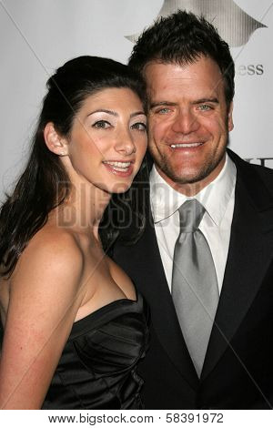 BEL AIR, CA - NOVEMBER 18: Kevin Weisman and wife Jodi at the 5th Annual