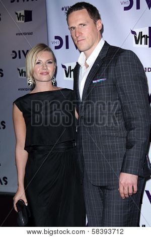 Elisha Cuthbert, Dion Phaneuf at VH1 Divas 2012, Shrine Auditorium, Los Angeles, CA 12-16-12