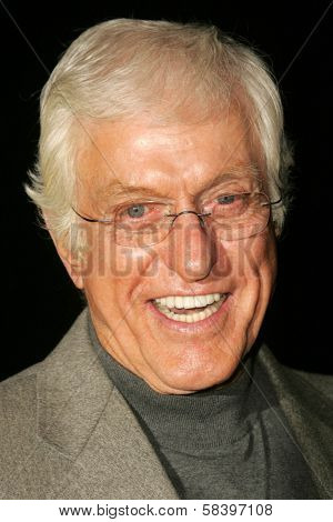 LOS ANGELES - NOVEMBER 18: Dick Van Dyke at the 2nd Annual A Fine Romance, Hollywood and Broadway Musical Fundraiser in Sunset Gower Studios November 18, 2006 in Hollywood, CA.