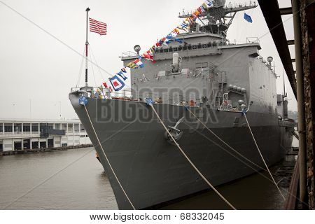 NEW YORK - MAY 22: The bow and mooring lines of the amphibious dock landing ship USS Oak Hill (LSD 51) at Pier 92 during Fleet Week NY on May 22, 2014.