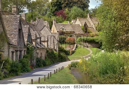 Pretty Cotswold Cottages