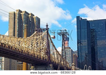 Roosevelt Island Tramway and Queensboro Bridge.