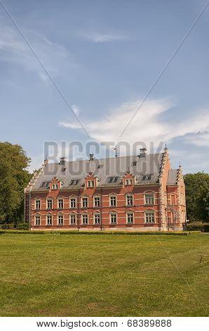 Palsjo Castle With Garden