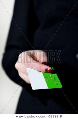 Hand bezahlen mit Kreditkarte