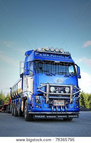 Blue Volvo FH16 Asphalt Truck