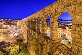image of aqueduct  - Segovia - JPG